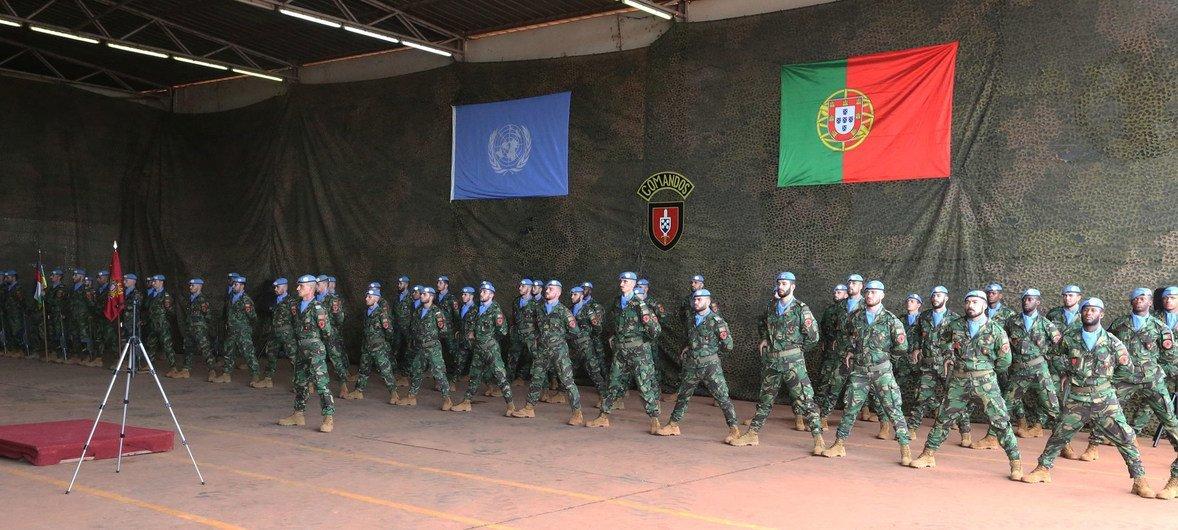 Militares das forças especiais portuguesas na base de manutenção da paz da ONU em Bangui, capital da República Centro-Africana