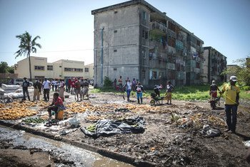 In Mozambique, many Beira communities affected by Cyclone Idai face serious waste management issues, raising the risk of disease.