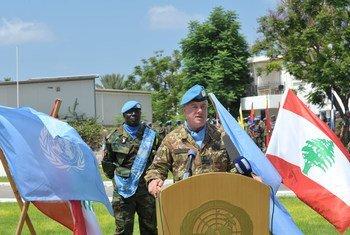 اللواء ستيفانو ديل كول، قائد القوة ورئيس بعثة اليونيفيل.
