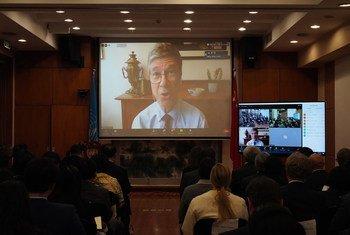 """著名经济学家杰弗里·萨克斯出席了主题为""""可持续发展目标行动十年与不断变化的全球格局""""的对话活动"""
