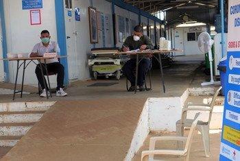 تعمل بعثة الأمم المتحدة لحفظ السلام في جنوب السودان (أونميس) على منع انتشار جائحة كوفيد-19 في البلاد.