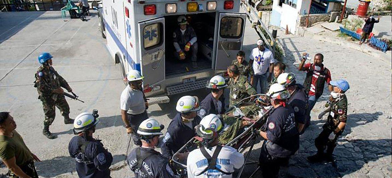 2010年1月17日,延斯·克里斯滕森(Jens Kristensen)从海地地震中获救。