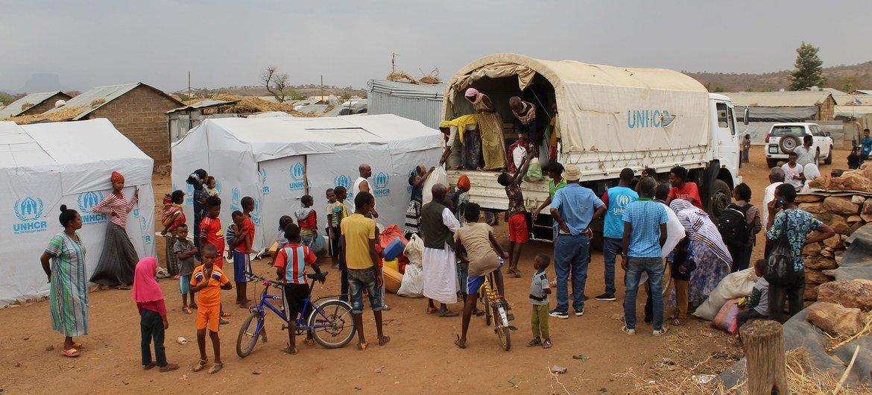 В УВКБ выражают обеспокоенность судьбой беженцев в Тыграе. Спасаясь от конфликта, они вынуждены переезжать на новое место.