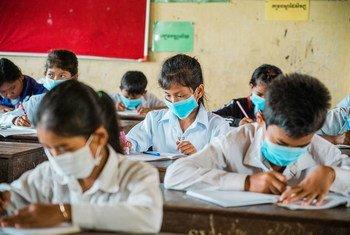 Estudantes já voltaram a ter aulas presenciais em menos de um terço das nações de rendas baixa ou média