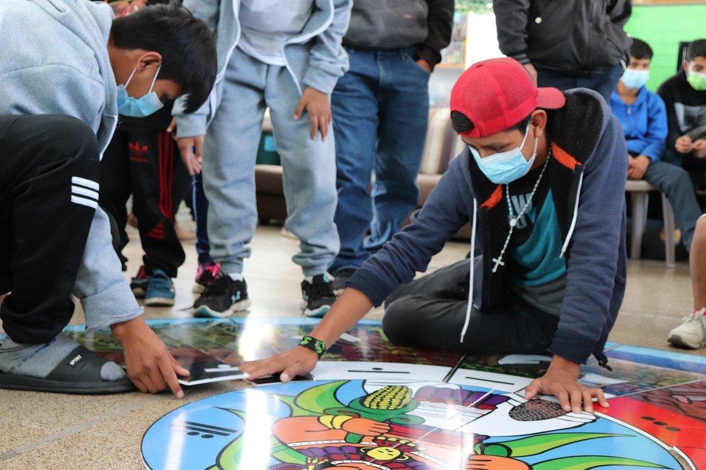 Adolescentes en la Casa Nuestras Raíces, uno de los dos centros de acogida del Ministerio de Bienestar Social de Guatemala.