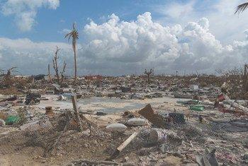 Vista da destruíção nas Bahamas