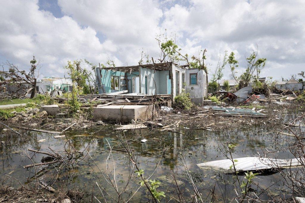 Ravages causés par le cyclone Irma à Antigua et Barbuda en 2017.