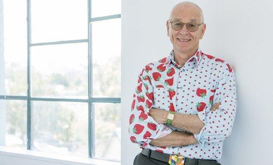 Dr. Karl, Australian science communicator