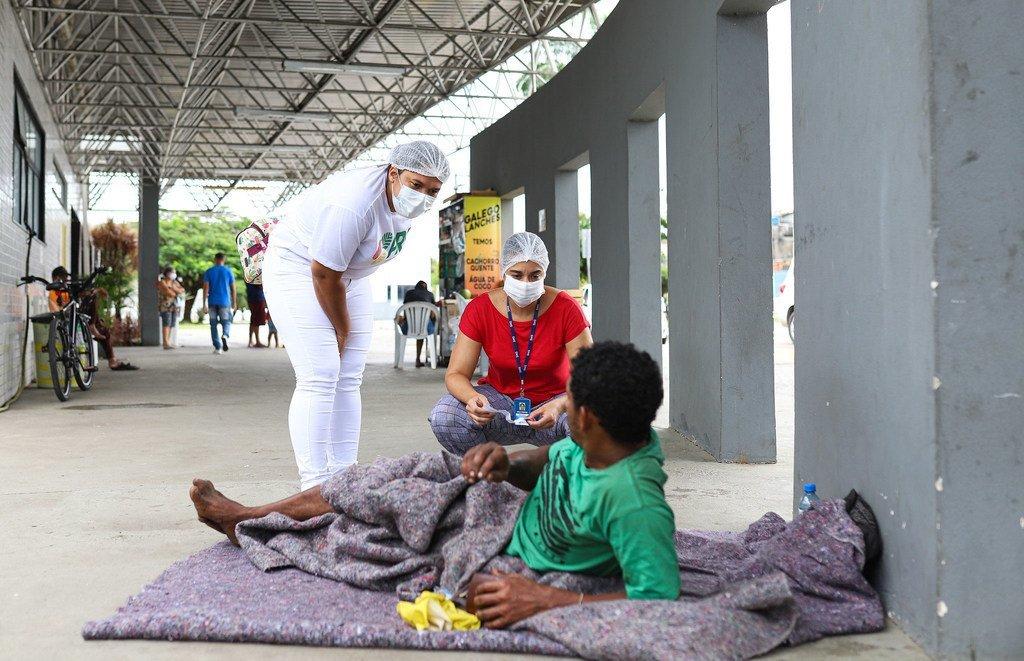 La población vulnerable que viven en las calles de Brasil está siendo vacunada contra el COVID-19.