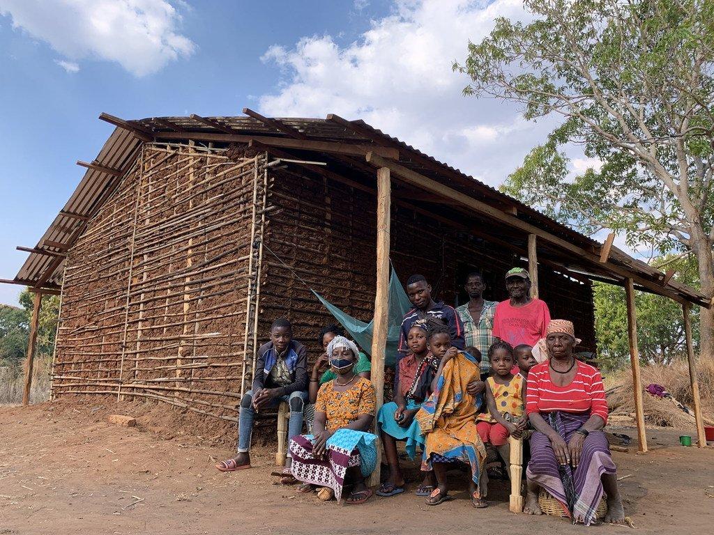 联合国难民署一直在莫桑比克的德尔加杜角(Cabo Delgado)支持因极端暴力而流离失所的家庭。
