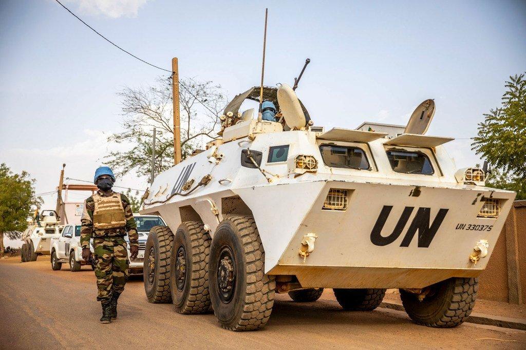 在马里东部巡逻的联合国维和人员。