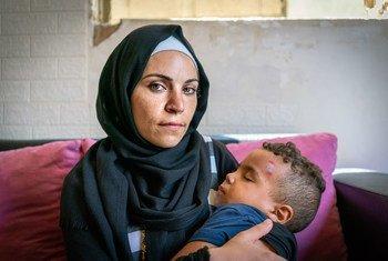 رانيا فقدت منزلها بعد تفجير مرفأ بيروت وتعيش في منزل مكتظ مع أقربائها.