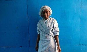 रुथ कवीरा सिकवाया नवंबर 2018 में इबोला वायरस से संक्रमित हुई और फिर उपचार के बाद ठीक हो गई. अब वह बच्चा देखरेख केंद्र में काम करती हैं.