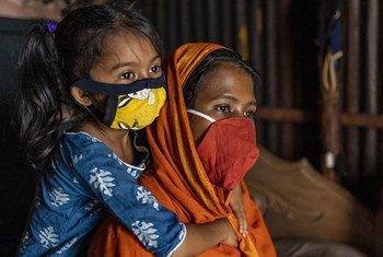 一名来自孟加拉国贫民窟的家政工人因新冠危机而失业。