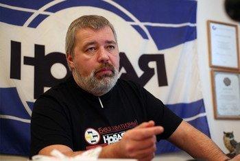 Дмитрий Муратов, главный редактор «Новой газеты» и лауреат Нобелевской премии мира за 2021 год, в своем рабочем кабинете.