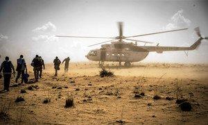 Soldados da paz da ONU na aldeia de Sobane Da, em Mopti, no Mali