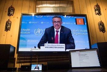 مدير عام منظمة الصحة العالمية تيدروس غيبرييسوس خلال مؤتمر صحفي افتراضي بشأن جائحة كورونا