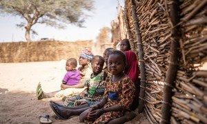 在尼日尔,160万弱势儿童受到人道主义危机的影响,包括边境关闭和2019冠状病毒病遏制措施。