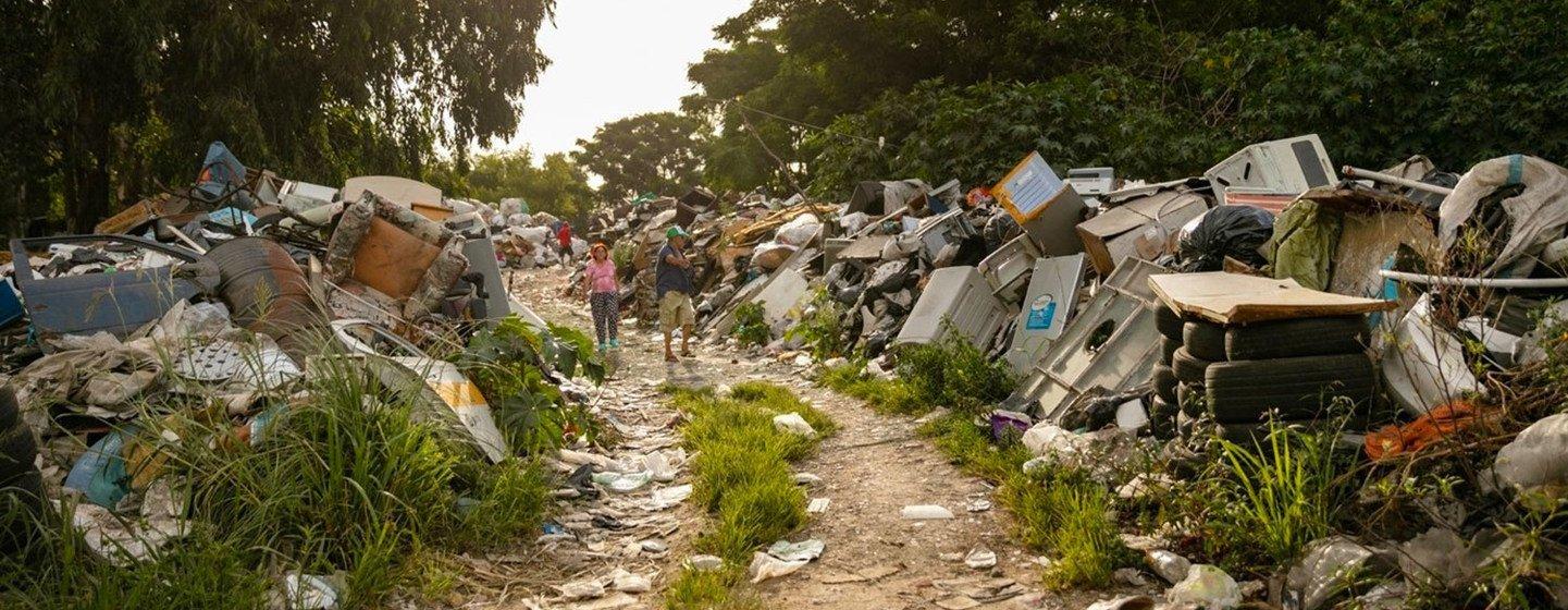 Les déchets électroniques et électriques (e-déchets) constituent le flux de déchets domestiques qui connaît la croissance la plus rapide au monde.