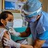 В ООН призывают не прекращать иммунизацию детей даже в период пандемии.