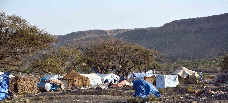 مخيم للنازحين داخليا في عمران، اليمن.