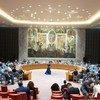 قاعة مجلس الأمن خلال اجتماعها حول الوضع في سوريا .
