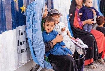 Конфликт в Афганистане вынудил тысячи человек покинуть свои дома, спасаясь от насилия.