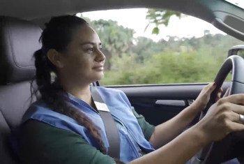 विवियाना कैबरेरा - अर्जेंटीना नेशनल जेंडरमेरी UNVMC, कोलम्बिया की अन्तरराष्ट्रीय पर्यवेक्षक सार्जेंट.