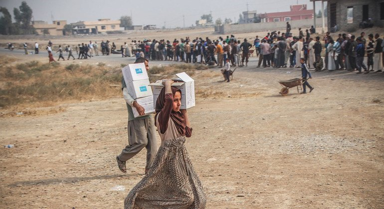 Humanitarian partners distribute emergency assistance in Ibrahim Khalil village in Iraq.