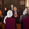 यूएन महासचिव एंतोनियो गुटेरेश ने पाकिस्तान की तीन दिन की यात्रा के पहले दिन राजधानी इस्लामाबाद में कुछ अफ़ग़ान शरणार्थियों से भी मुलाक़ात की. (16 फ़रवरी 2020