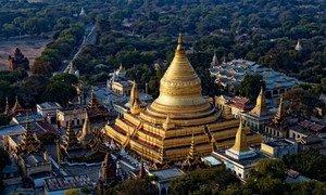 缅甸蒲甘著名的瑞西贡佛塔。