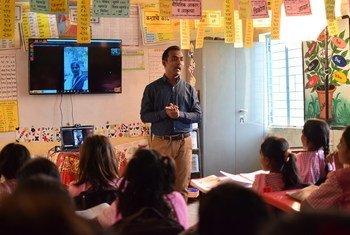 Global Teacher Award 2020 winner Ranjitsinh Disale in his classroom.