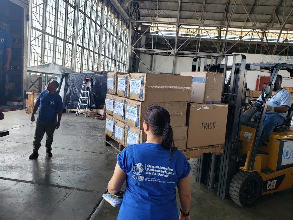 世界粮食计划署从位于巴拿马的仓库向区域各国运送医疗设备。