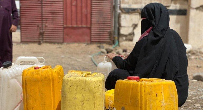 فر آلاف اليمنيين إلى مأرب بسبب القتال المستمر.