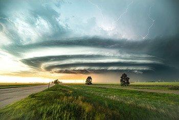 Supercélulas se formam sobre Burlington, no Colorado, Estados Unidos