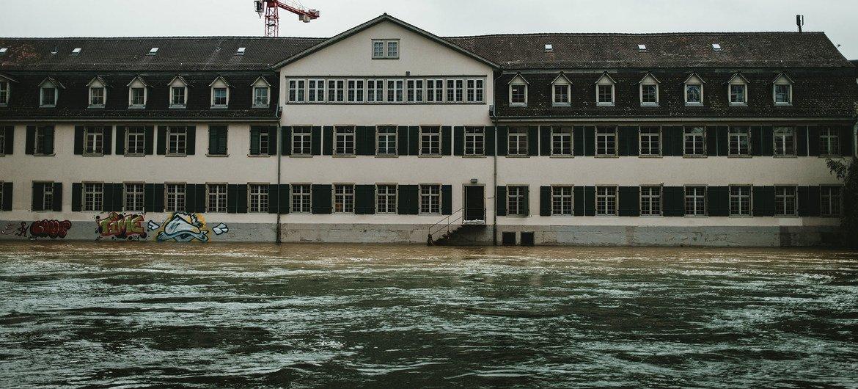 As inundações afetaram cidades em toda a Europa, incluindo Zurique, na Suíça.