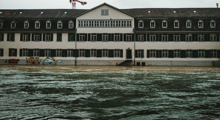 14-15 जुलाई 2021 को, पश्चिमी योरोप के अनेक देशों में, भारी बारिश के कारण आई भीषण बाढ़ ने अनेक शहरों को प्रभावित किया है जिनमें स्विट्ज़रलैण्ड का ज़्यूरिख़ भी है.