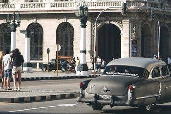 古巴首都哈瓦那街头(资料图片)。