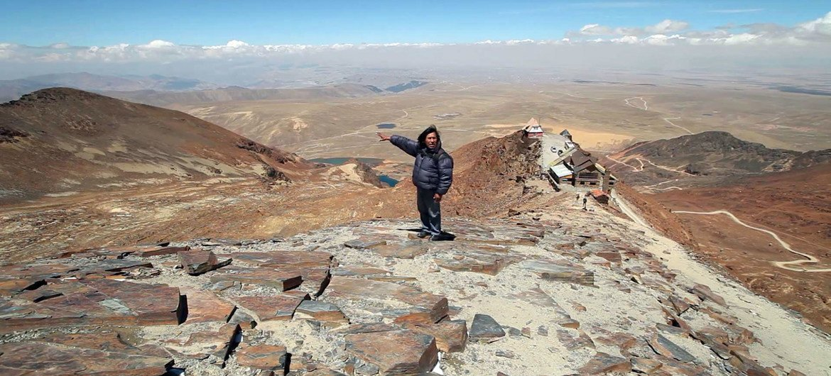 The Chacaltaya upland  country  of Bolivia, was erstwhile  a skis  edifice   but glaciers person  melted distant  implicit    the past  decades. (file)