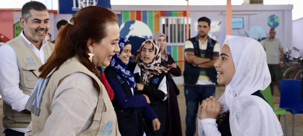Espinosa, enquanto presidente da 73ª Sessão da Assembleia Geral, visitou o acampamento Zaatar na Jordânia, onde conversou mulheres e meninas sobre suas esperanças, sonhos e como a comunidade internacional pode apoiar os refugiados