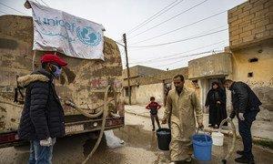 يونيسف تواصل العمل على توصيل المياه إلى المناطق المتأثرة بسبب الصراع في سوريا خلال الجائحة.