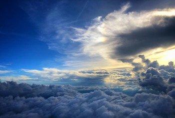 Protocolo de Montreal sobre Substâncias que Destroem a Camada de Ozônio resulta da Convenção de Viena