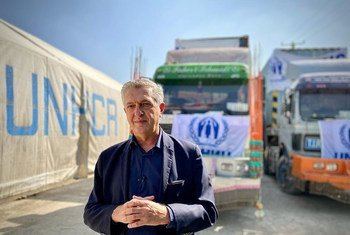 Le Haut-Commissaire des Nations Unies pour les réfugiés, Filippo Grandi, visites les entrepôts du HCR à Kaboul, en Afghanistan.