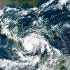 Una imagen de Satélite de la NASA muestra al huracán Iota tocando tierra en Centroamérica.