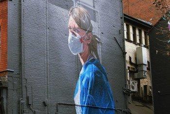英国曼彻斯特的一幅壁画描绘的一位护士。