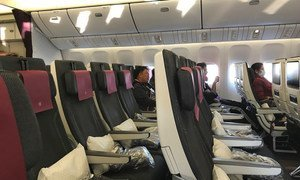 Практически пустым прилетел самолет из Дохи, Катар, в Нью-Йорк, США. Многие сдают билеты, опасаясь инфекции. Фото из архива