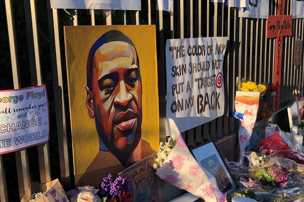 George Floyd, un Afro-Américain, a été tué après avoir été retenu par la police aux États-Unis.