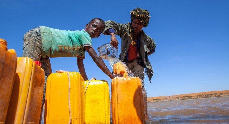 Des points d'eau au Somaliland, en Somalie, aident la population et son bétail à survivre les périodes de sécheresse.