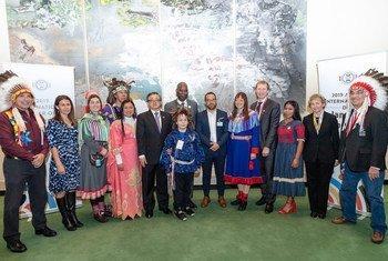 Participantes da cerimônia de encerramento do Ano Internacional das Línguas Indígenas
