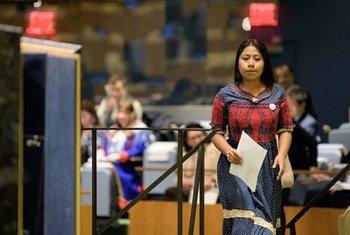 在国际土著语言年结束之际,演员、 联合国教科文组织土著人民亲善大使雅利扎·阿帕里西奥(Yalitza Aparicio)登上 联大会堂的讲台,发表讲话。